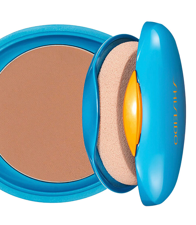 UV Protective Compact Fundation Medium Beige, , editorial