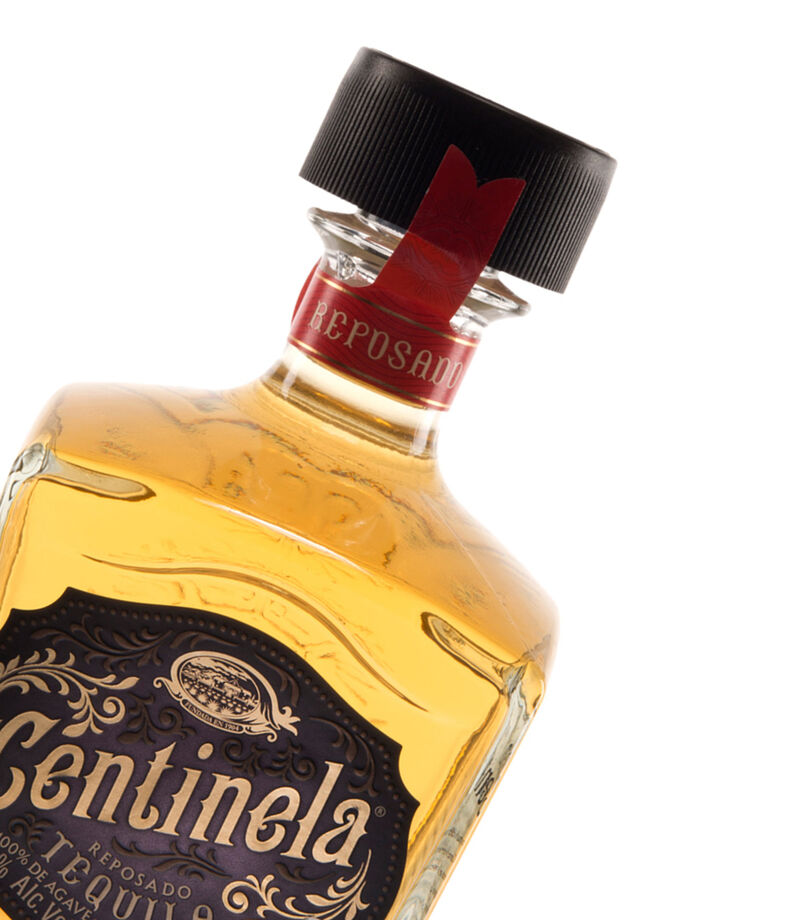 Tequila Centinela Reposado, 750 ml, , editorial